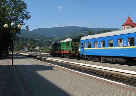"""И куда же следуют поезда-туристы.  По словам заместителя начальника главного пассажирского управления  """"Укрзализныци """"..."""